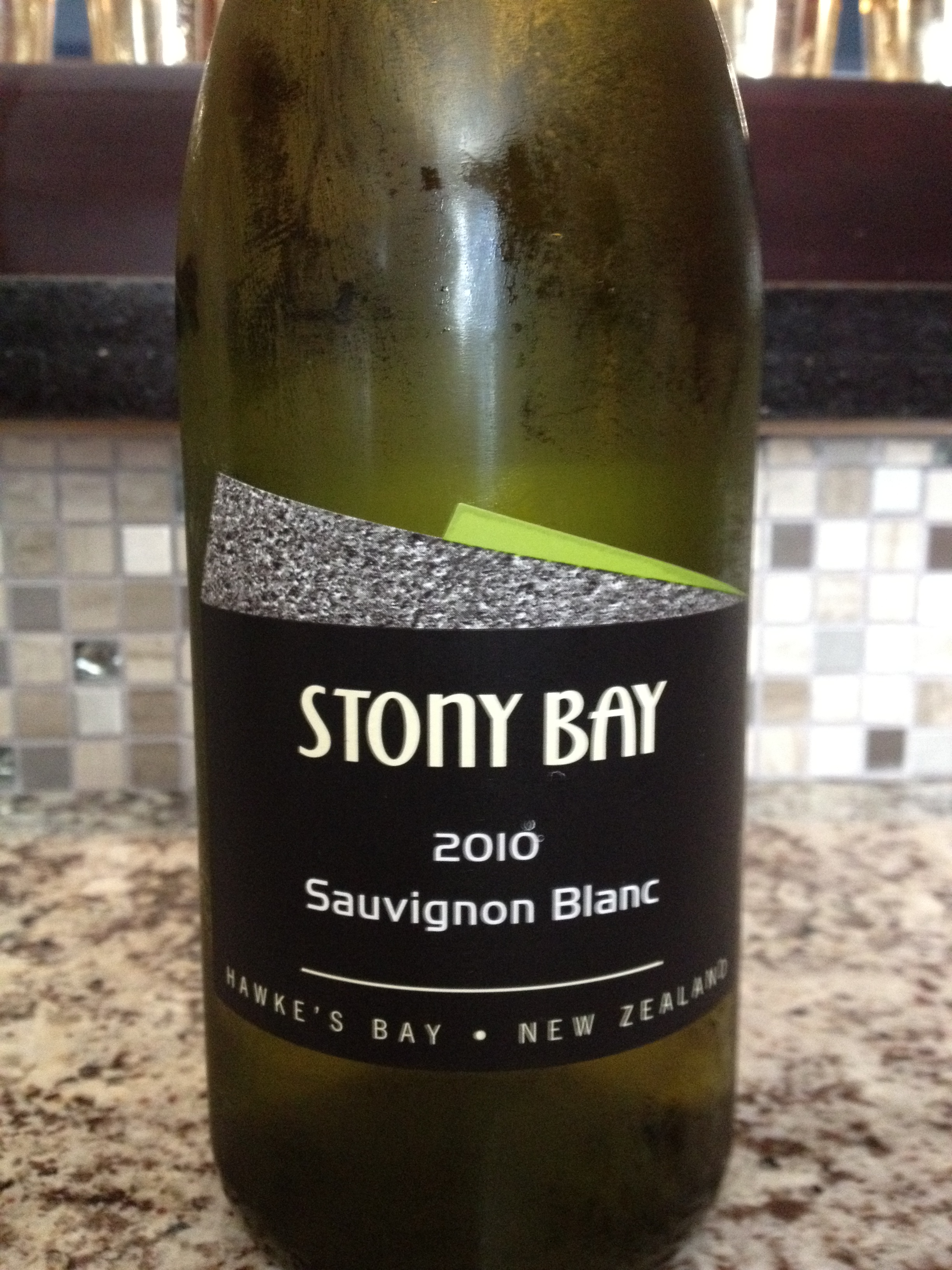10 Stony Bay Sauv Blanc Bottle
