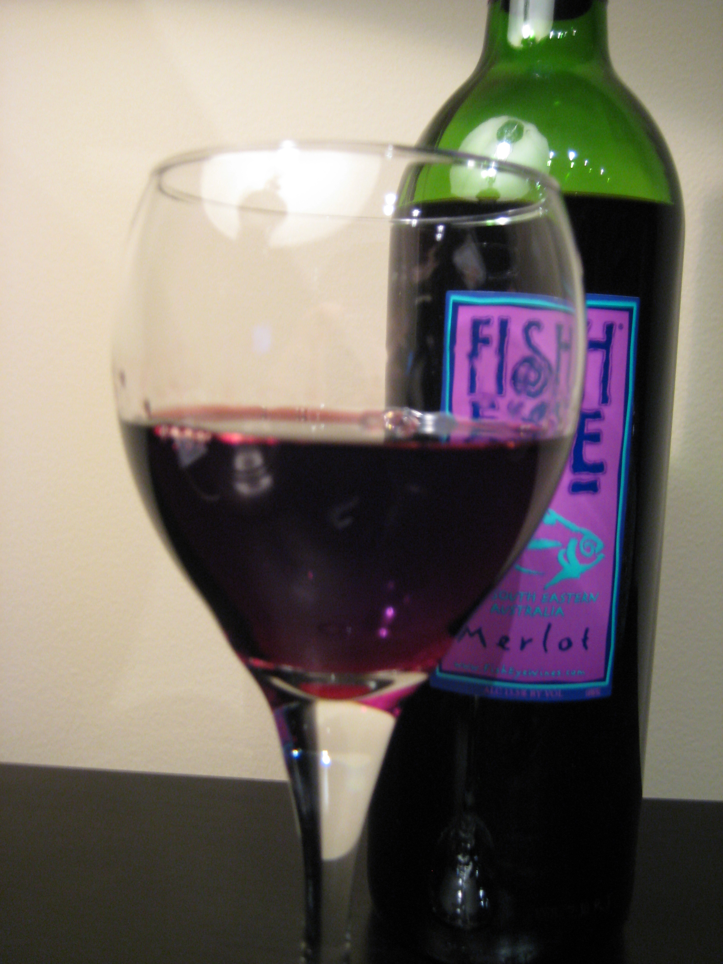 2010 fish eye merlot first pour wine for Fish eye wine